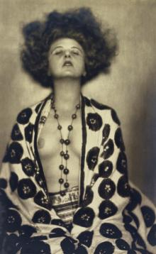 Actress and dancer Elsie Altmann-Loos
